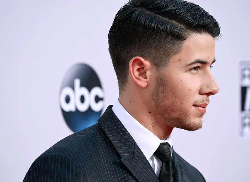 Nick_Jonas_Side_Part_High_Fade_Hairdo