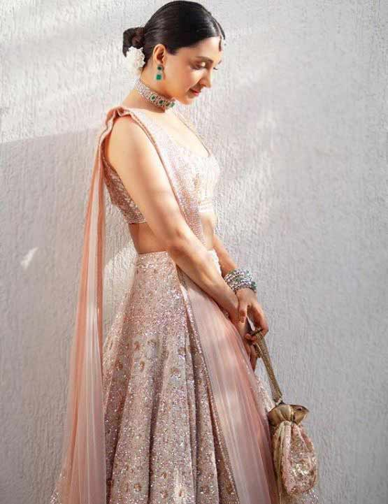 indian wedding trends 2020-purse manish-malhotra