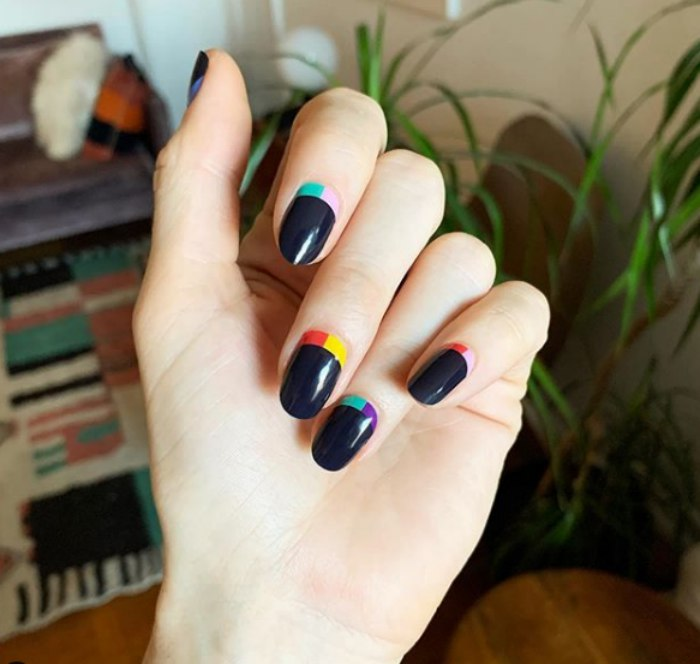 Eclipse-nail-art.-manicure-style-ideas