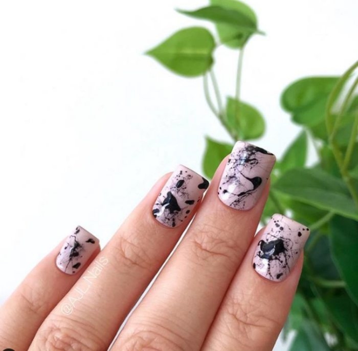 marble-splatter-painting-hand-painted-nails