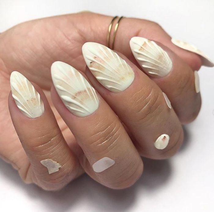 shell-details-white-mani-nail-art-designs