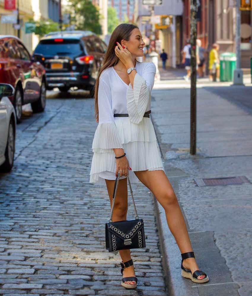 libra-women-classic-feminine-fashion-astrology-look