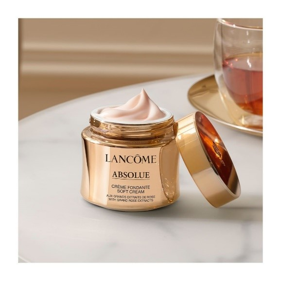 lancome-luxury-skincare-brand-moisturizing-cream