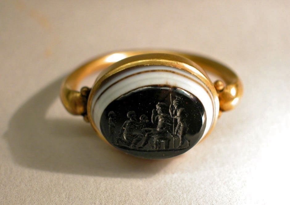 rome tradititional fashion accessories rings gold