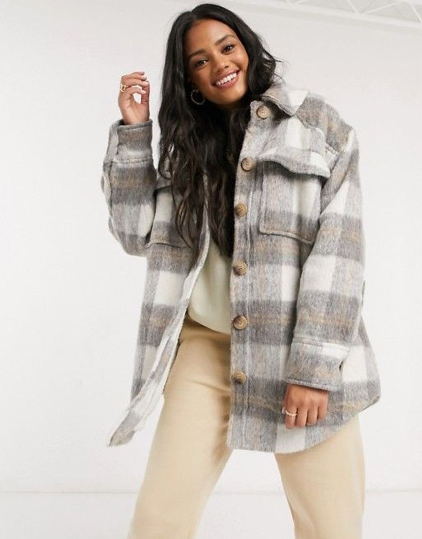 jacket-style-options-for-women-with-big-belly