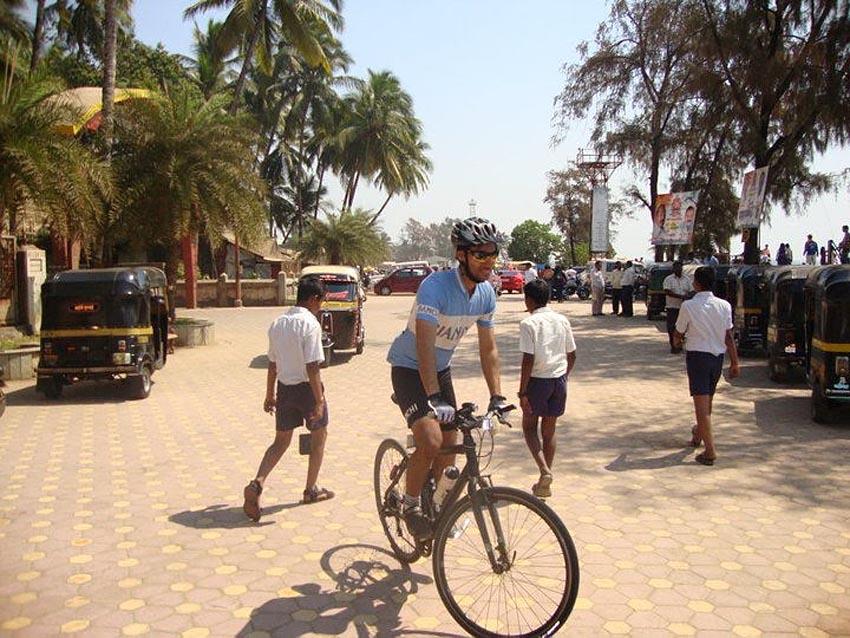 abhishek sareen city bike hybrid cannondale badboy