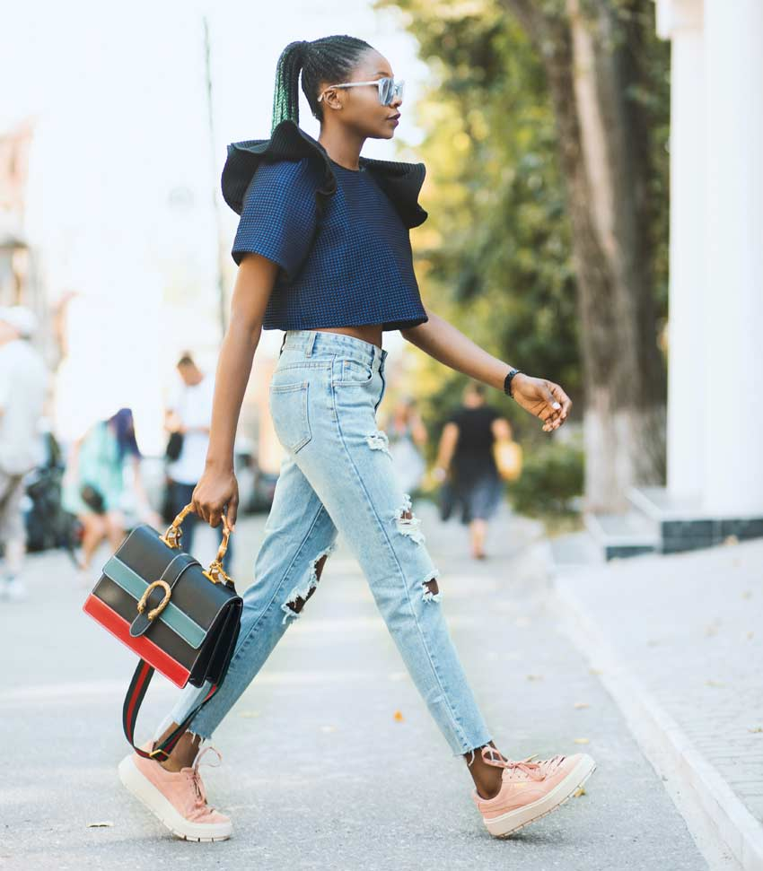 best jeans for strawberry shaped women. Best jeans for your body type.