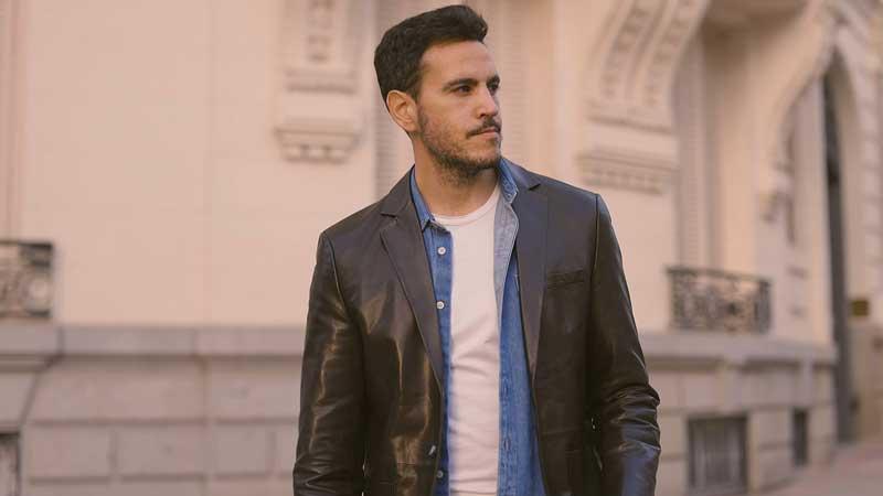 leather-jacket-with-denim-shirt